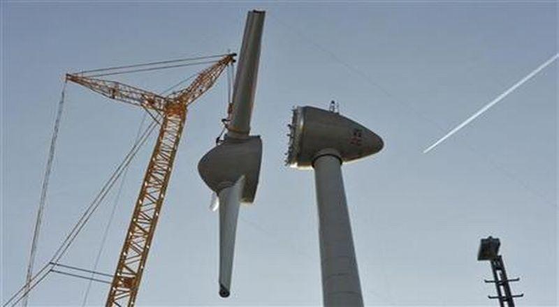 https: img-o.okeinfo.net content 2018 07 02 320 1916481 diresmikan-jokowi-ri-miliki-pembangkit-listrik-tenaga-angin-terbesar-di-asean-gsVonxbuiC.jpg