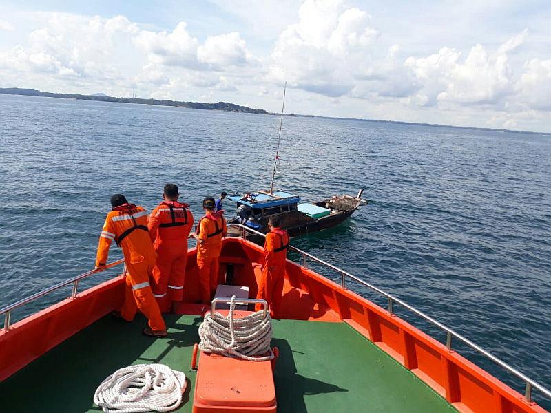 https: img-o.okeinfo.net content 2018 07 03 340 1917463 tim-sar-belum-tahu-tujuan-kapal-pengangkut-tki-yang-tenggelam-di-malaysia-pEr2BS1Hxi.jpg
