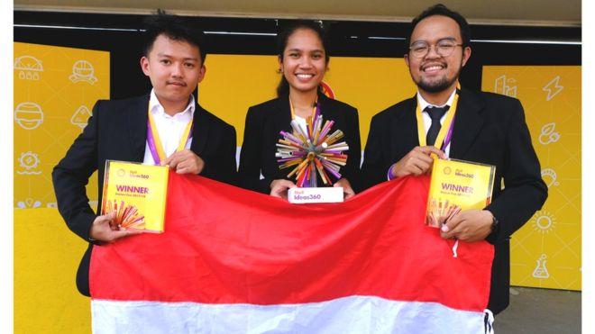 https: img-o.okeinfo.net content 2018 07 06 65 1918687 mahasiswa-indonesia-juara-dunia-teknologi-mobil-berbahan-bakar-sampah-plastik-Le9E92STUi.jpg