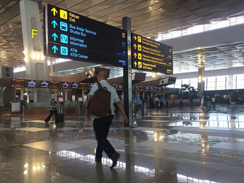 https: img-o.okeinfo.net content 2018 07 07 320 1919250 soekarno-hatta-masuk-daftar-bandara-selalu-delayed-U5A7nb1Kq2.jpg