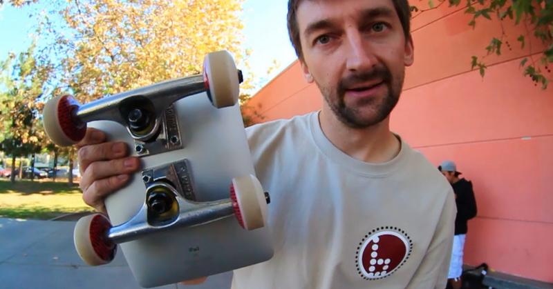 https: img-o.okeinfo.net content 2018 07 07 57 1919316 apple-ipad-dijadikan-skateboard-mampukah-bertahan-DAHK0qprZk.jpg