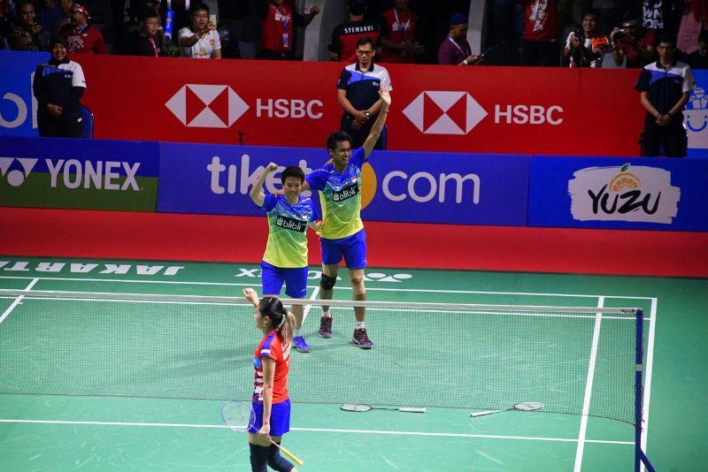 https: img-o.okeinfo.net content 2018 07 08 40 1919612 tontowi-liliyana-lega-bungkam-keangkeran-istora-usai-juara-indonesia-open-2018-IDWobUJvm0.jpeg