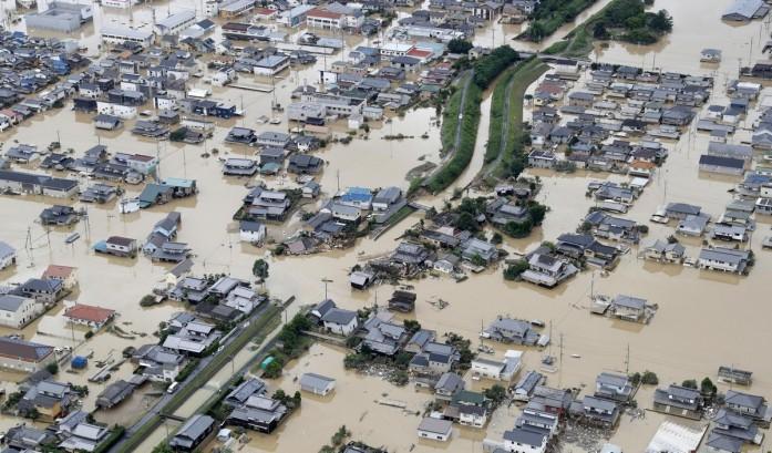 https: img-o.okeinfo.net content 2018 07 09 18 1919786 korban-tewas-akibat-banjir-dan-longsor-di-jepang-hampir-mencapai-100-orang-VzccvAhgf8.jpg