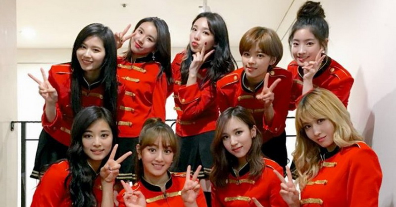 https: img-o.okeinfo.net content 2018 07 09 205 1920029 resmi-comeback-twice-rilis-video-klip-dance-the-night-away-DlMGfERJI8.jpg