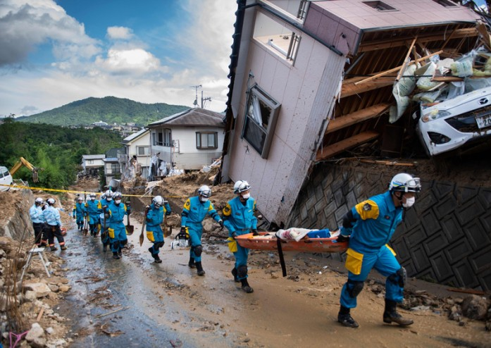 https: img-o.okeinfo.net content 2018 07 10 18 1920270 korban-tewas-banjir-jepang-bertambah-jadi-122-kemungkinan-temukan-penyintas-tipis-DhTsNxuWGv.jpg