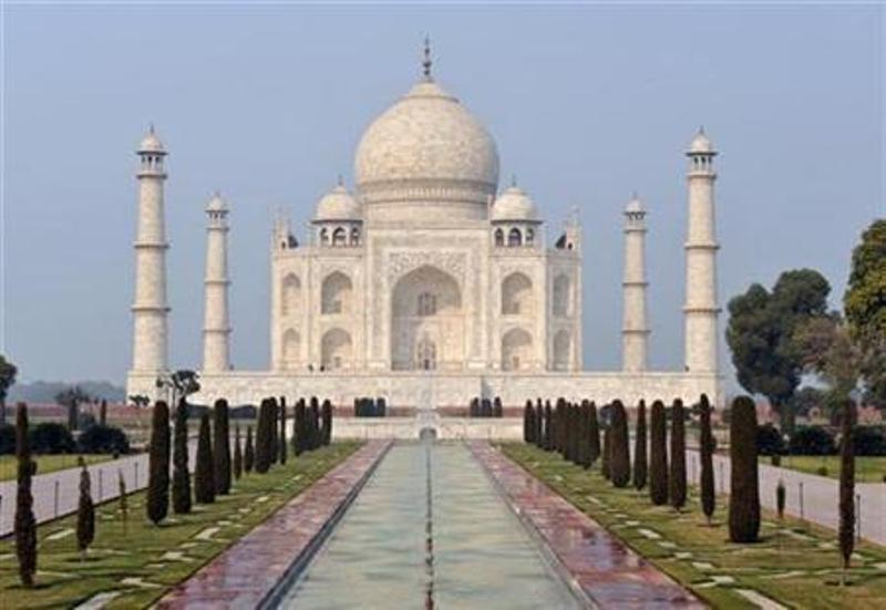 https: img-o.okeinfo.net content 2018 07 10 18 1920426 india-larang-muslim-yang-bukan-penduduk-agra-salat-jumat-di-taj-mahal-ODR7nLl1Qj.jpg