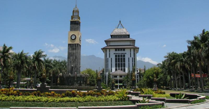 https: img-o.okeinfo.net content 2018 07 13 65 1921854 berada-di-peringkat-8-universitas-brawijaya-buru-jadi-universitas-terbaik-di-indonesia-g8WbjWWnTX.jpg