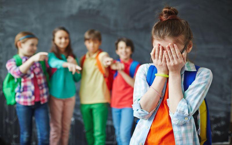 https: img-o.okeinfo.net content 2018 07 17 196 1923366 komunikasi-jadi-kunci-waspadai-bullying-pada-siswa-baru-h7aDElZvTG.jpg