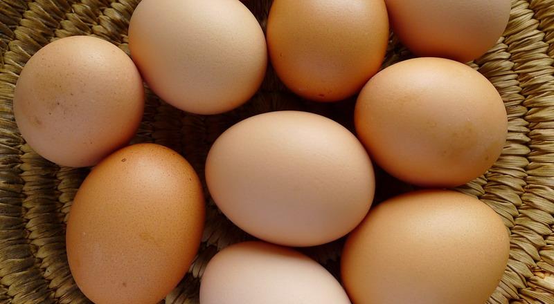 https: img-o.okeinfo.net content 2018 07 18 298 1923941 harga-telur-meroket-ganti-dengan-sederet-makanan-ini-nutrisinya-sama-mBB7Yklynv.jpg