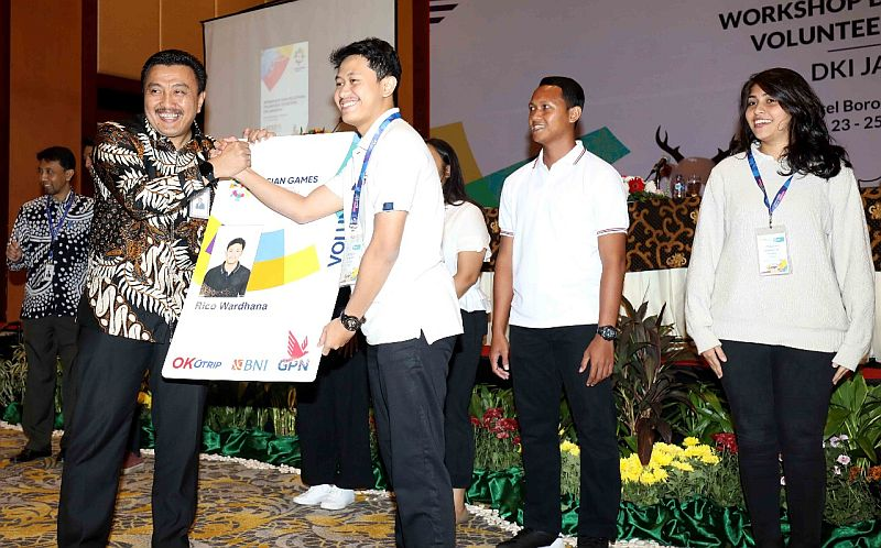 https: img-o.okeinfo.net content 2018 07 23 601 1926274 13-ribu-volunteer-asian-games-bebas-memanfaatkan-transjakarta-selama-event-berlangsung-FDMLkM0ryv.jpg