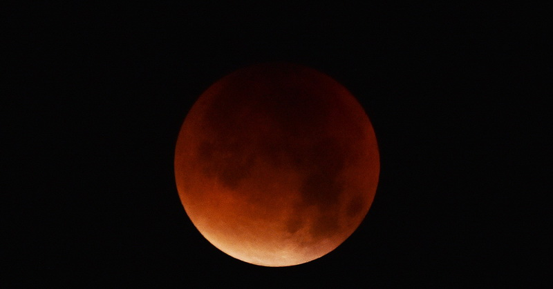 https: img-o.okeinfo.net content 2018 07 25 56 1927351 5-alasan-mengapa-gerhana-bulan-pekan-ini-sayang-untuk-dilewatkan-Fqt62i7ojg.jpg