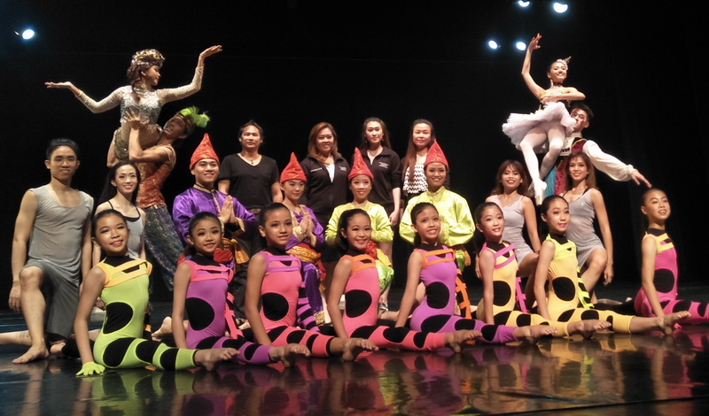 https: img-o.okeinfo.net content 2018 07 26 205 1927910 kembali-digelar-indonesia-dance-company-hadir-dengan-tema-it-s-showtime-y4yUbHLAtT.jpg