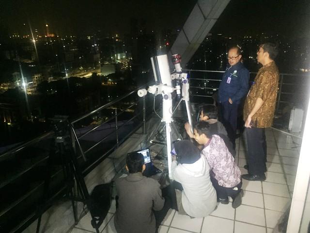 https: img-o.okeinfo.net content 2018 07 28 337 1928504 bmkg-pantau-gerhana-bulan-total-dari-24-titik-di-indonesia-37vFNxdZNT.jpg
