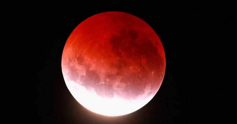 https: img-o.okeinfo.net content 2018 07 30 56 1929189 fenomena-gerhana-bulan-total-curi-perhatian-warga-dunia-zTJ1SS3oax.jpg