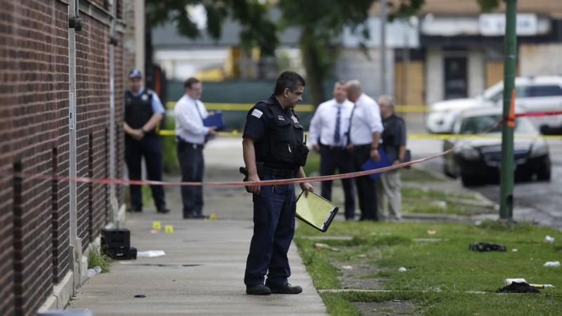 https: img-o.okeinfo.net content 2018 08 06 18 1932648 34-orang-ditembak-di-chicago-dalam-24-jam-5-tewas-xvV76tBPEB.jpg