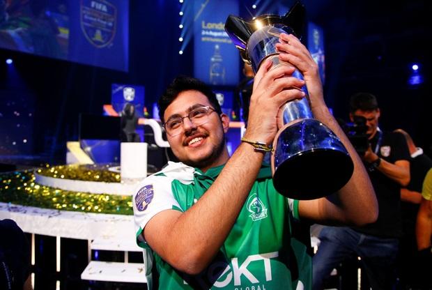 https: img-o.okeinfo.net content 2018 08 06 326 1932461 remaja-arab-saudi-menang-fifa-eworld-cup-berhadiah-rp3-6-miliar-9Vb3A3Kdwt.jpg
