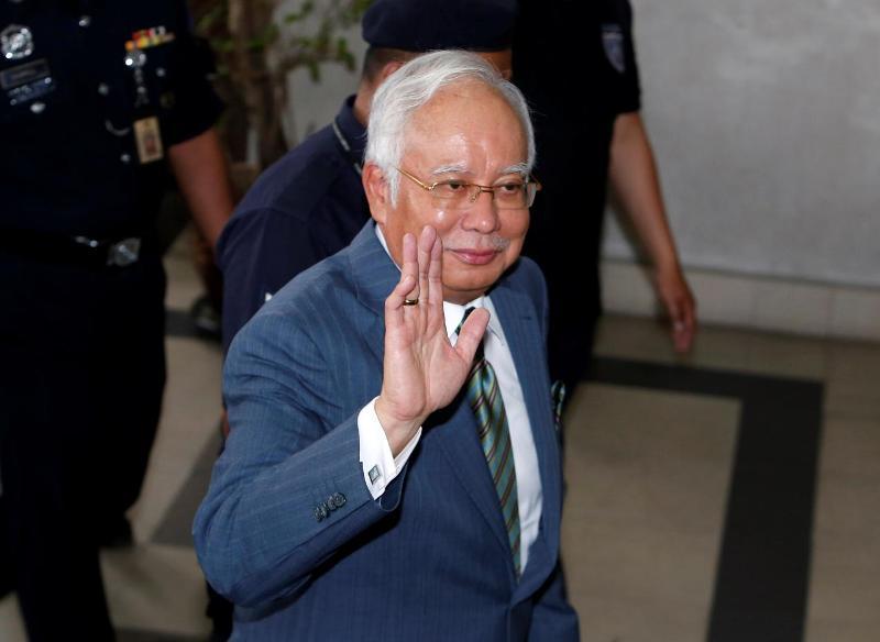 https: img-o.okeinfo.net content 2018 08 08 18 1933399 pengadilan-malaysia-jatuhkan-tiga-tuntutan-pencucian-uang-terhadap-najib-razak-GUVS9XIuiK.jpg
