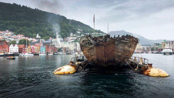 https: img-o.okeinfo.net content 2018 08 08 18 1933591 kapal-milik-penjelajah-amundsen-kembali-ke-norwegia-setelah-100-tahun-SfxTQtqZ5i.jpg