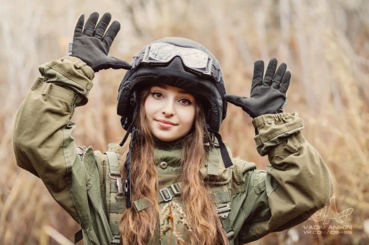 https: img-o.okeinfo.net content 2018 08 09 194 1933902 tentara-wanita-dari-rusia-ini-sangat-cantik-ternyata-dia-adalah-fWQ3wj3qs0.jpg