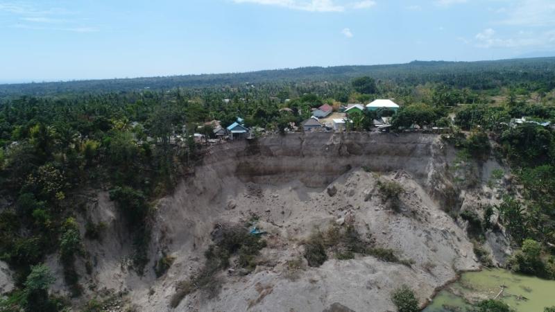 https: img-o.okeinfo.net content 2018 08 10 340 1934906 banyak-korban-gempa-lombok-diduga-masih-tertimbun-reruntuhan-bangunan-85j6cBb5R8.jpg