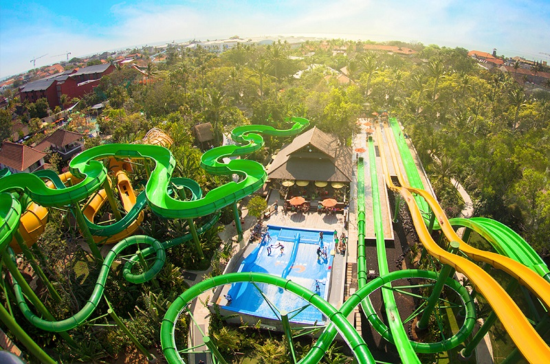https: img-o.okeinfo.net content 2018 08 12 406 1935464 waterbom-bali-jadi-waterpark-terbaik-dunia-ke-2-fbNULV6nYN.jpg