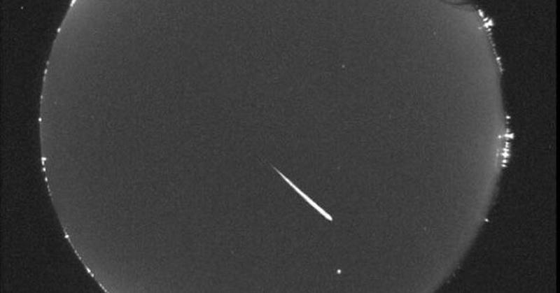https: img-o.okeinfo.net content 2018 08 13 56 1935850 intip-foto-foto-hujan-meteor-perseid-2018-OgcPg5lT9t.jpg