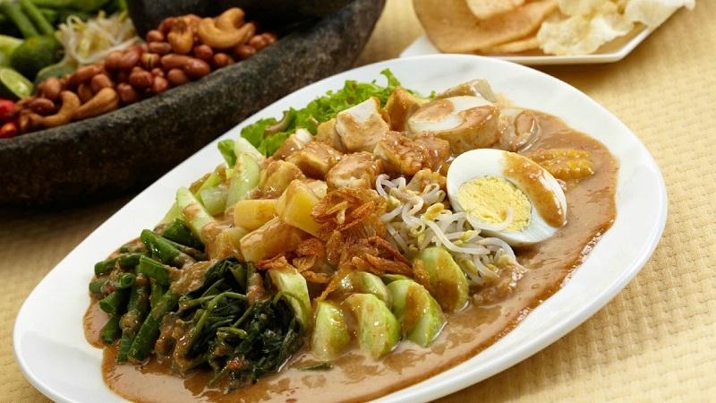 https: img-o.okeinfo.net content 2018 08 19 298 1938477 makanan-indonesia-yang-dicintai-selebritis-dunia-salah-satunya-gado-gado-NVaVDETtC3.jpg
