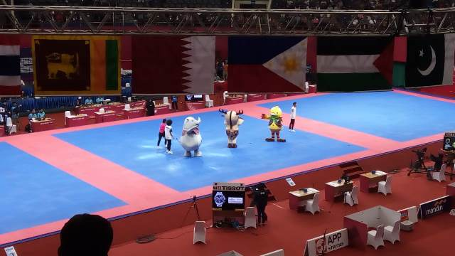 https: img-o.okeinfo.net content 2018 08 19 601 1938570 maskot-asian-games-2018-hibur-para-penonton-di-plenary-hall-jcc-rRMknH0fMZ.jpg