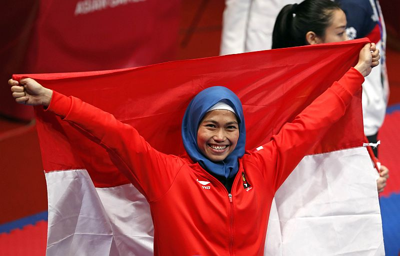 https: img-o.okeinfo.net content 2018 08 19 601 1938627 profil-defia-rosmaniar-peraih-medali-emas-pertama-untuk-indonesia-di-asian-games-2018-9W1xUuGRgR.jpg