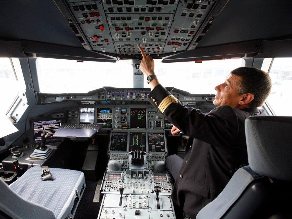 https: img-o.okeinfo.net content 2018 08 20 406 1939169 7-hal-seputar-penerbangan-pesawat-yang-jarang-diketahui-Y2FWTAHuHs.jpg