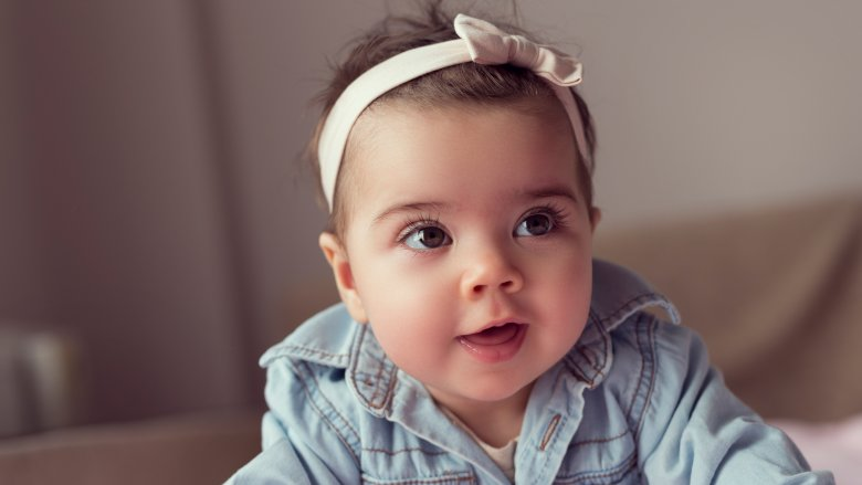https: img-o.okeinfo.net content 2018 08 27 196 1942024 5-nama-bayi-islami-yang-cantik-dan-populer-di-dunia-NYXp1hzhGl.jpg