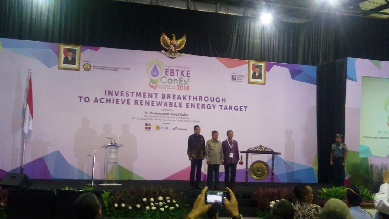 https: img-o.okeinfo.net content 2018 08 29 320 1942979 menteri-jonan-cari-terobosan-kembangkan-energi-terbarukan-di-indonesia-foS2kuxCXm.jpeg