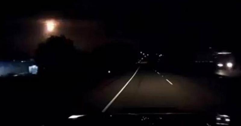 https: img-o.okeinfo.net content 2018 08 30 56 1943873 penampakan-meteor-tertangkap-kamera-dashboard-ini-videonya-pnqdFAuatW.jpg
