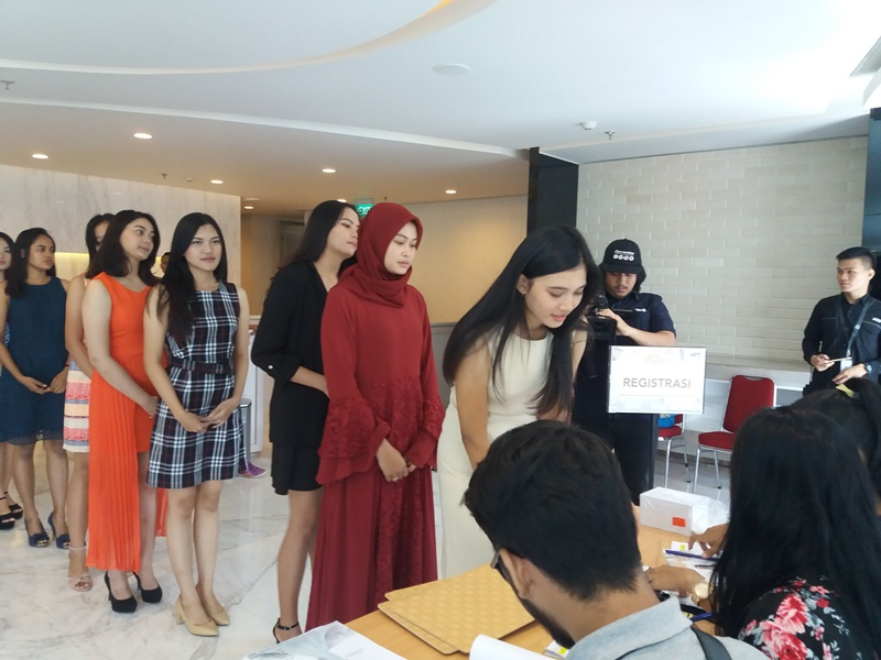 https: img-o.okeinfo.net content 2018 09 01 194 1944597 big-audition-miss-indonesia-2019-resmi-dimulai-jakarta-jadi-kota-pertama-ZxplVbf4M5.jpg