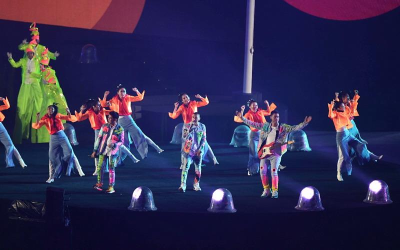 https: img-o.okeinfo.net content 2018 09 03 33 1945031 rayi-ran-terharu-saat-penonton-stadion-gbk-ikut-menyanyi-OqcF7F19Tt.jpg