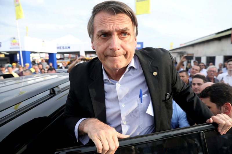 https: img-o.okeinfo.net content 2018 09 07 18 1947288 calon-presiden-brasil-bolsonaro-ditusuk-saat-berkampanye-04WtQ5uGgL.jpg
