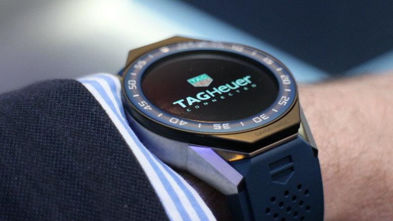 https: img-o.okeinfo.net content 2018 09 08 194 1947998 bertabur-245-berlian-smartwatch-ini-jadi-yang-termahal-di-dunia-cMLTvfE6Tr.jpg