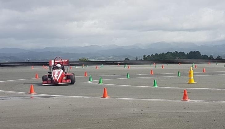 https: img-o.okeinfo.net content 2018 09 10 65 1948419 bimasakti-racing-team-ugm-juara-3-di-formula-student-jepang-BmeI3TJKmh.jpg