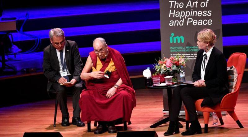 https: img-o.okeinfo.net content 2018 09 16 18 1951223 dalai-lama-akui-tahu-pelecehan-seks-oleh-guru-guru-agama-buddha-zYmmxtlflO.jpg