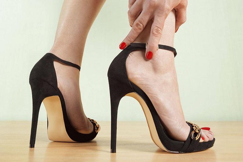 https: img-o.okeinfo.net content 2018 09 21 194 1953886 tampil-trendi-dengan-pilihan-sepatu-heels-antipegal-rrjrbHnvwB.jpg