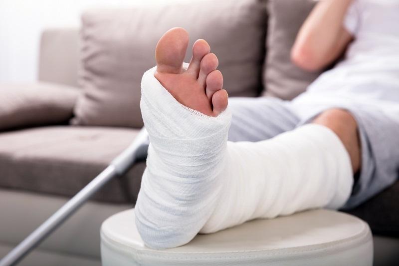 https: img-o.okeinfo.net content 2018 09 27 481 1956422 ini-yang-terjadi-pada-tubuh-ketika-anda-mengalami-patah-tulang-rcmsRa1CMt.jpg