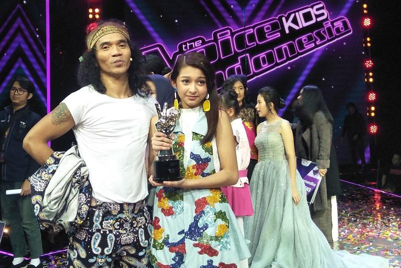 https: img-o.okeinfo.net content 2018 10 05 598 1959905 selamat-keva-jadi-juara-the-voice-kids-indonesia-season-3-DbSjUv5V21.jpg