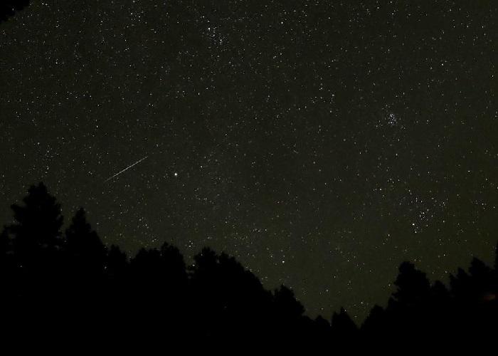 https: img-o.okeinfo.net content 2018 10 06 56 1960503 hujan-meteor-draconid-bakal-hujani-bumi-pekan-ini-4WnJLxTg2T.jpg