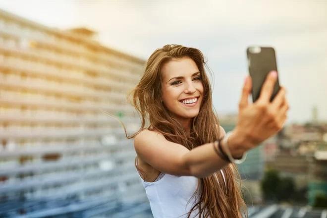https: img-o.okeinfo.net content 2018 10 08 207 1960964 5-aplikasi-foto-selfie-terbaik-versi-google-play-GCt9s0efmz.jpg