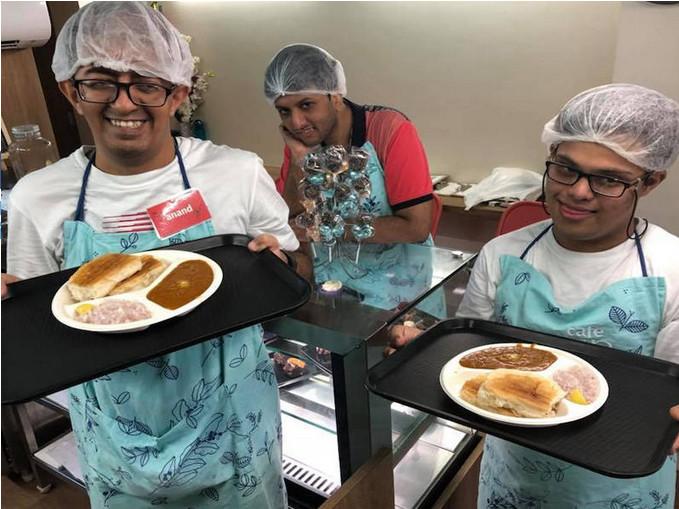 https: img-o.okeinfo.net content 2018 10 08 298 1960918 unik-kafe-di-india-ini-pekerjakan-orang-disabilitas-intelektual-sebagai-pekerjanya-tStLYLpI40.jpg