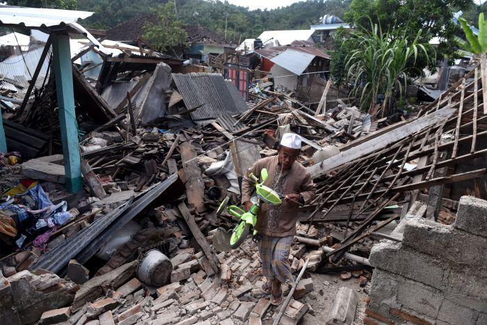 https: img-o.okeinfo.net content 2018 10 08 65 1961229 21-fasilitas-pendidikan-di-lombok-telah-selesai-diperbaiki-h5btDJLe9P.jpg