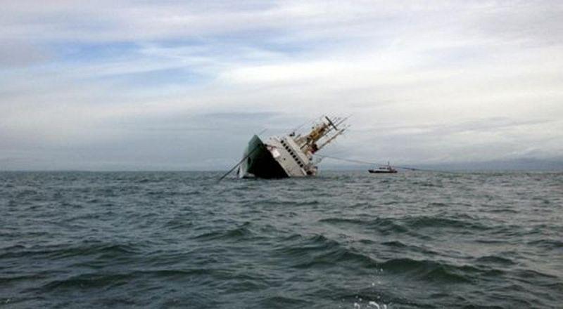 https: img-o.okeinfo.net content 2018 10 09 340 1961690 kapal-penumpang-dari-surabaya-tabrak-tongkang-bermuatan-cpo-di-sampit-HJ81XIMubR.jpg