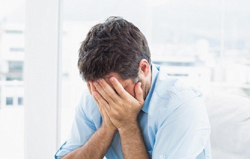 https: img-o.okeinfo.net content 2018 10 11 481 1962634 waduh-ternyata-pria-lebih-rentan-mengalami-depresi-JVqTBQsJhM.jpg