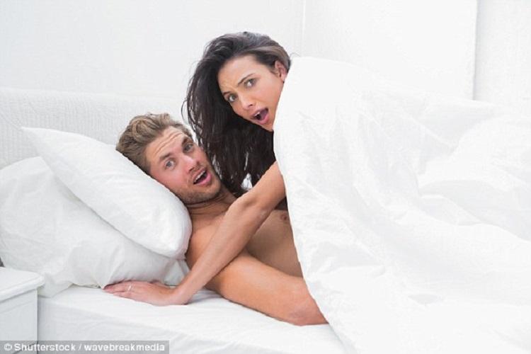 https: img-o.okeinfo.net content 2018 10 11 481 1962833 3-posisi-seks-paling-lucu-ada-yang-bisa-bikin-istri-kentut-98rSND9CjK.jpg