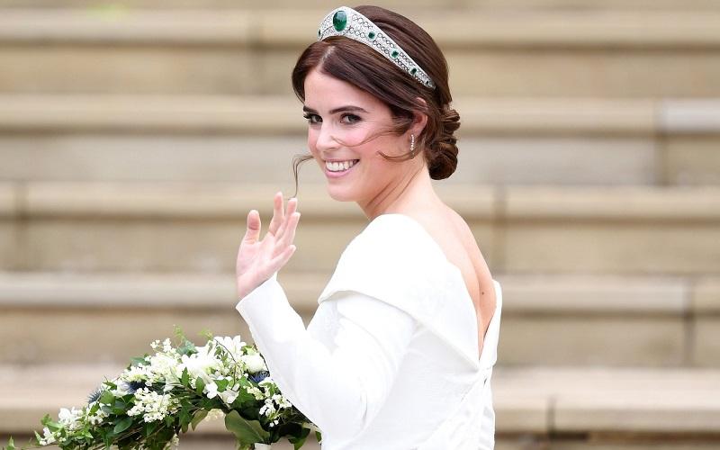 https: img-o.okeinfo.net content 2018 10 12 194 1963309 di-royal-wedding-putri-eugenie-kenakan-perhiasan-serba-berlian-reMV65pFY2.jpeg